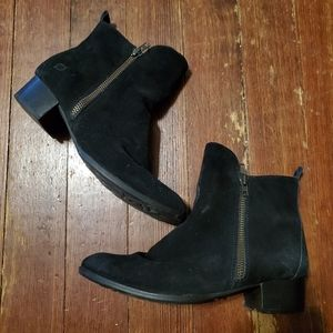 Born black  ankle booties size 10